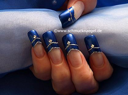 Quadratic strass stones on the fingernails