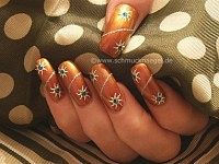 Nail decoration in copper look