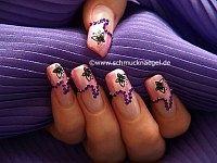 Fingernail motif with 3D nail art sticker