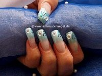 Nail art motif with oceanic mussel