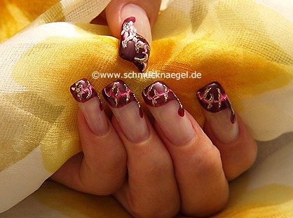 Nail art motif with spot-swirl and nail lacquer