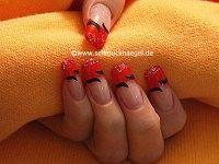 Glitter-Powder and nail lacquer in dark orange
