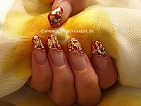 Metallic foil in gold and strass stones