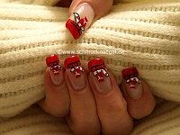 Christmas sleigh as fingernail motif