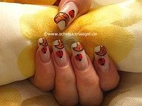 Ladybird as fingernail motif with nail art liner