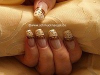 Create nails with nail lacquer and strass stones