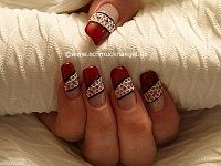 Create the fingernails with nail art grid and strass stones