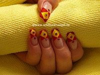 Stellar strass stones in red and nail art liner