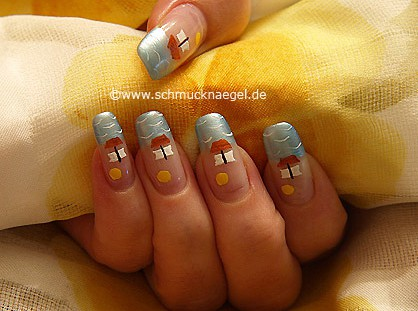 Summer motif with nail lacquer in different colours