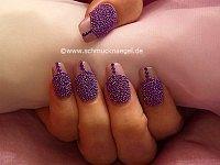 Fingernail design with caviar effect
