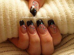 Vintage flowers as nail art motif