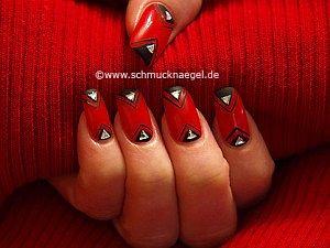 Fingernail motif with triangular rhinestones