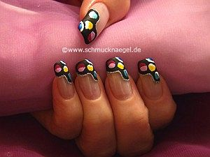 Retro motif with nail lacquers in different colours
