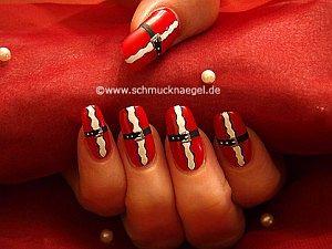 Santa Claus coat as fingernail design