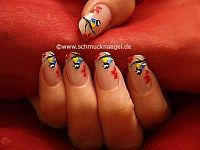 Bird motif as fingernail design with art liner