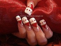 Christmas cap as fingernail motif