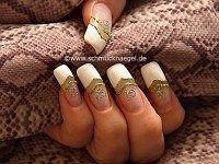 Decoración de uñas con plantillas manicura francesa