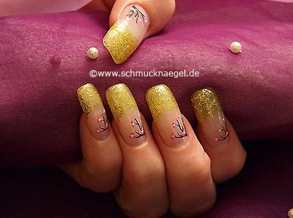 Decoración de uñas con nail art liner