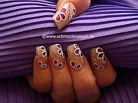 Nail art en rosa antigua con holograma en fucsia