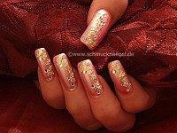 Cobertura en rosa con papel de oro