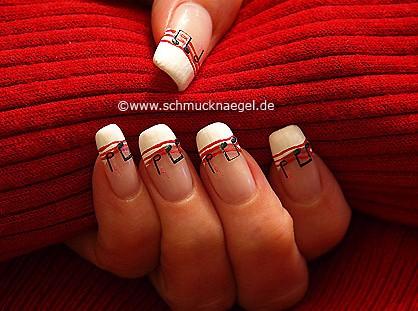 Decoración de uñas con nota de música
