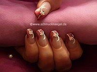 Uñas decoradas con flor de ceramica