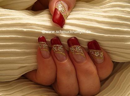 Tattoos de flores para decorar las uñas