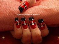 Adornar las uñas con piedras strass