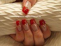 Uñas francesas con esmalte en rojo