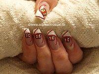 Galleta de Navidad con esmalte y nail art liner