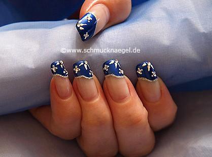 Diseño frances para uñas con piedras strass