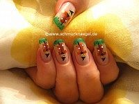 Espantapájaro diseño de uñas con nail art liner