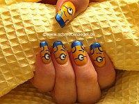 Minions motivo para las uñas
