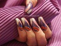 Uñas decoradas en multicolor