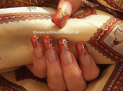 Decoracion con esmalte en uñas