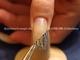 Hologramm-Folie und die Pinzette