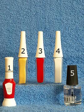 Produkte für das Blumen Motiv für die Fingernägel - Nailart Pen, Nailart Liner, Klarlack