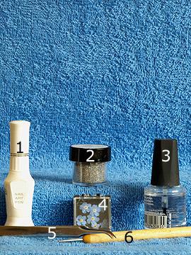 Produkte für das Nailart Trockenblumen für ein Fingernagel Motiv - Nailart Pen, Glitter-Pulver, Getrocknete Blumen, Spot-Swirl, Klarlack