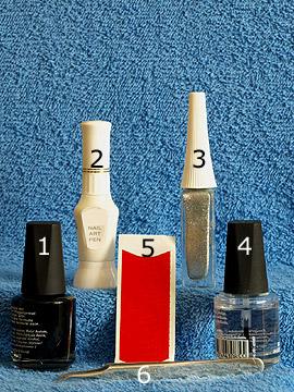 Produkte für das Domino French Motiv für die Fingernägel - Nagellack, Nailart Pen, Nailart Liner, French Maniküre Schablonen, Klarlack