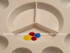 Farb-Mischpalette und Acrylfarben