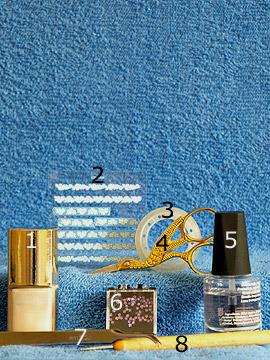 Produkte für das Nailart Motiv mit Nagellack in hell beige - Nagellack, Nail Sticker, Hologramm Sterne, Spot-Swirl, Klarlack