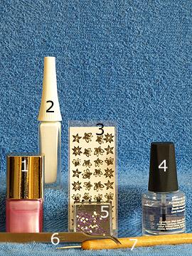 Produkte für das Fingernagelmotiv mit 3D Nailart Sticker - Nagellack, Nailart Liner, 3D Nail Sticker, Strasssteine, Spot-Swirl, Klarlack
