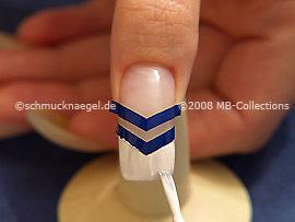 Nailart pen oder Nagellack in der Farbe weiß