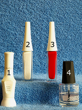 Produkte für das Motiv 'Nikolausmütze als Fingernagel Dekoration' - Nailart Liner, Nailart Pen, Klarlack