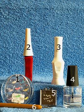 Produkte für das Fingernagel Motiv mit Nailart Liner in rot-glitter - Halbperlen, Nailart Liner, Strasssteine, Spot-Swirl
