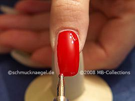 Spot-Swirl und Farbgel in rot