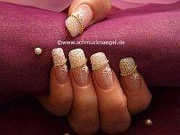 Fingernageldesign mit Nailart Perlenkette