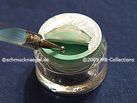 Spot-Swirl und Farbgel in mint
