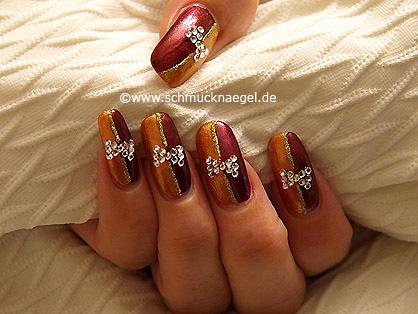 Strasssteine und Nagellacke für die Nägel