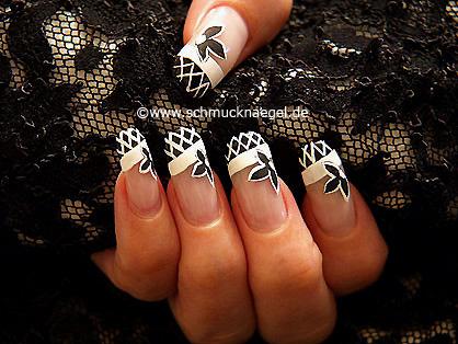 Dekoration der Nägel mit Nagellacken